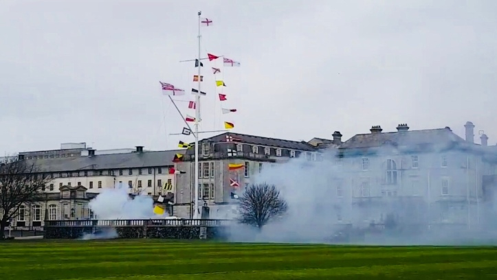 The Queen received a 21 gun salute upon her arrival.